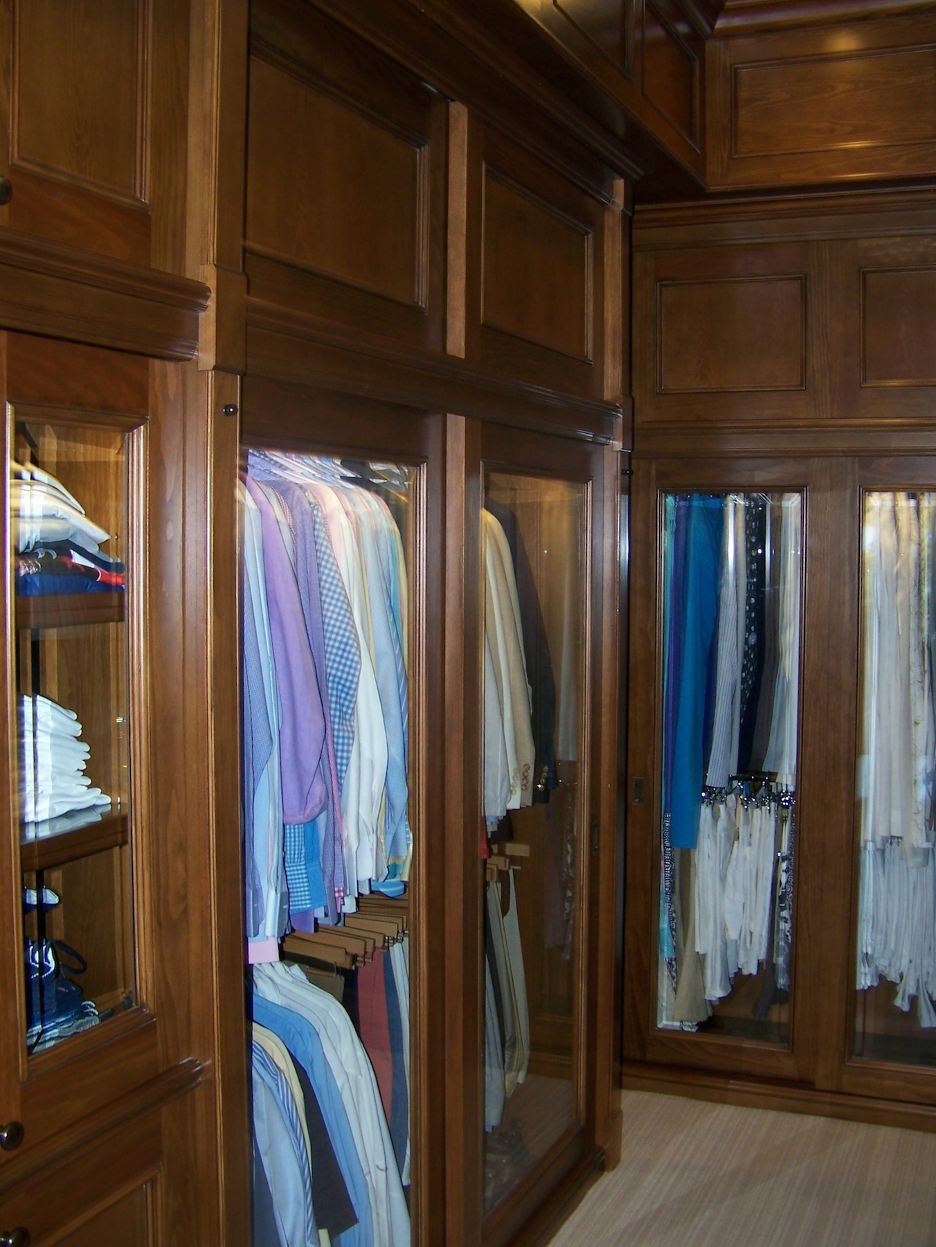 His/hers master closet, side view - Nassau, Bahamas (Lyford Cay)