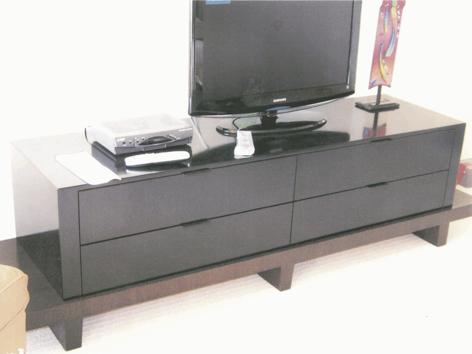 Cerused, lacquered console - New York City